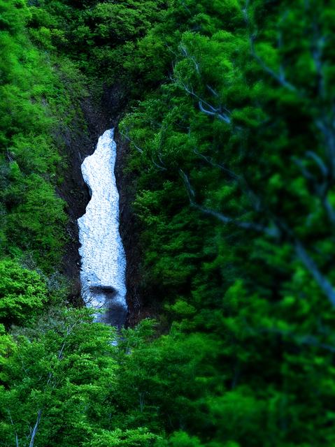19㉕湯殿山途中雪渓滝見立☆DSC01370.JPG