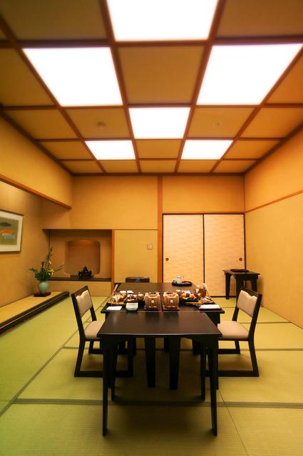 23いさごや夕食個室★DSC02160s.jpg